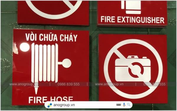 Biển báo cuộn vòi chữa cháy mica giá rẻ
