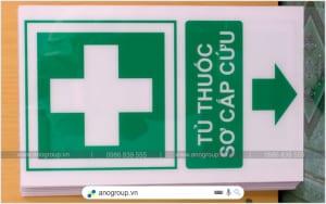 Biển báo tủ thuốc sơ cấp cứu bằng mica giá rẻ